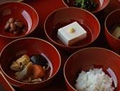 修行僧の心身を支える精進料理でも、ゴマは欠かせない健康食材です。